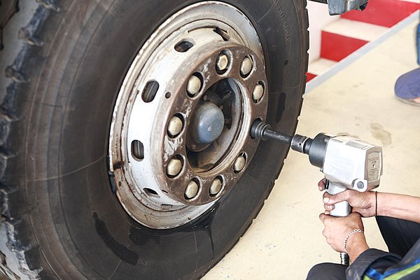 Tyre services from over 1.700 providers in Germany: A UTA Plus Service