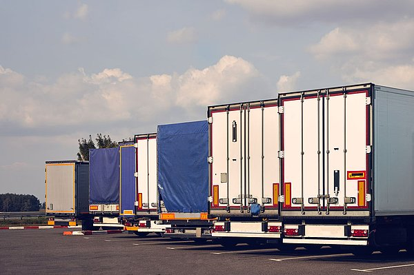 "Parking service for HGVs throughout Europe - with ""ParkWell"", a UTA Plus Service"