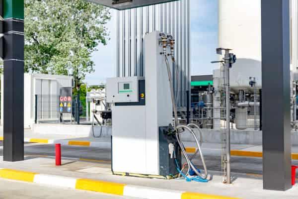 Втечнен природен газ