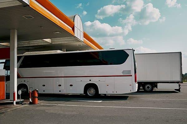 SKTP ir autobusai UTA degalinėje