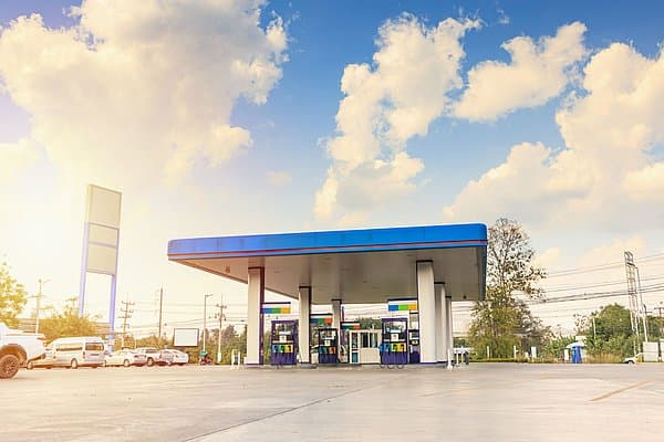 Petrol station finder for UTA partners and acceptance points in the area - including HGV route planner